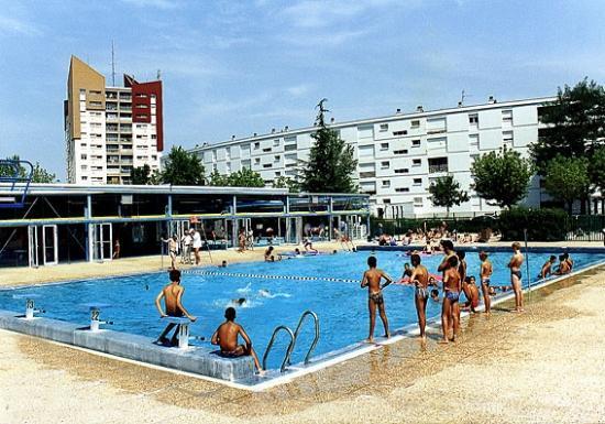Piscine piscine ext rieure for Piscine de bassens