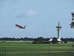 Sân bay Adelaide