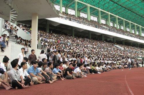 Dong San Sân Vận Động Chi Lăng