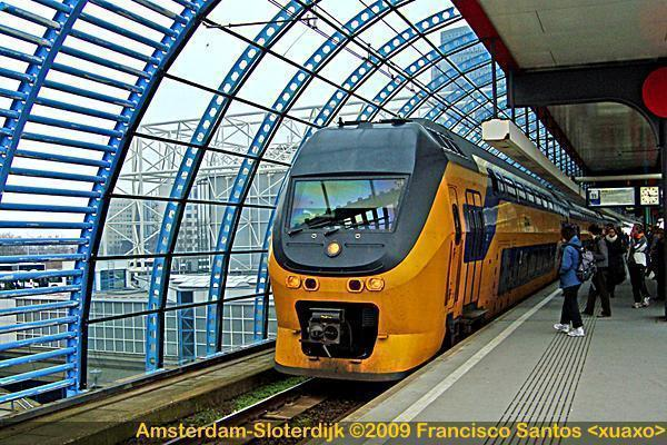 how to get to amsterdam by train