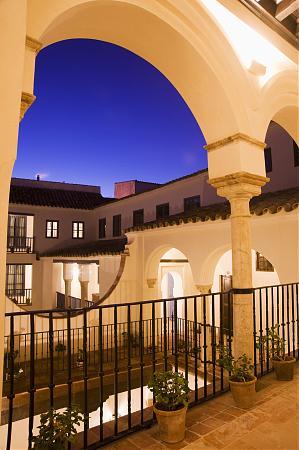 Hotel las casas de la juder a 5 antiguo palacio la for Hotel casa de los azulejos cordoba espana