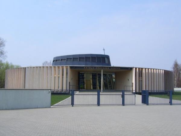 http://photos.wikimapia.org/p/00/01/06/84/66_big.jpg