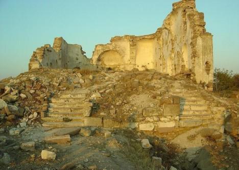 Osmanlı döneminden kalma Rum Kilisesi , izmir
