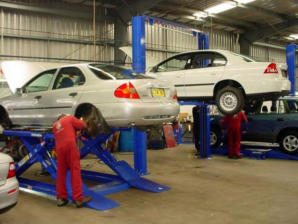Auto Garage For Sale Dubai: TRANSLINE AUTO GARAGE, AL QUOZ, DUBAI. Tel: 3471119