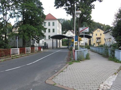 Grenz bergang sebnitz doln poustevna sebnitz for Steinigtwolmsdorf bad