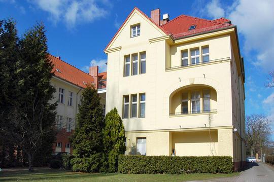 Mehrfamilienhaus weddigenweg 70 berlin for Mehrfamilienhaus berlin