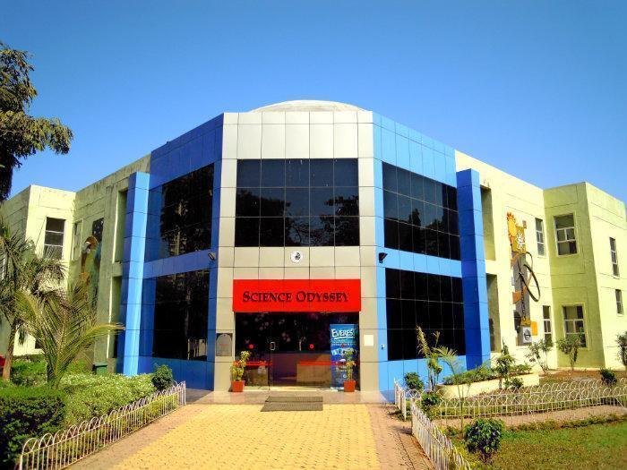 nehru science centre Nehru science center (nsc) is the largest interactive science centre in india it is located in worli , mumbai the centre is named after india's first prime minister , jawaharlal nehru .