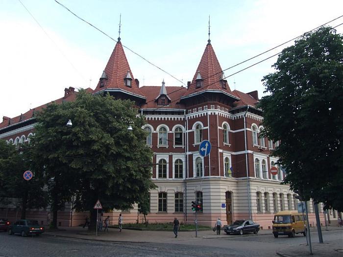 Відсутність дітей спричинює зачинення шкіл на Львівщині thumbnail
