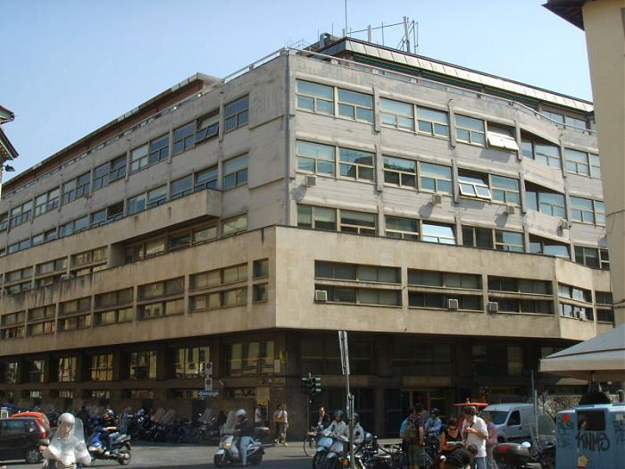 Edificio della direzione provinciale delle poste e for Costo della costruzione dell edificio