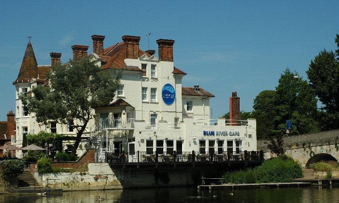 Thames Riviera Hotel Blue River Cafe