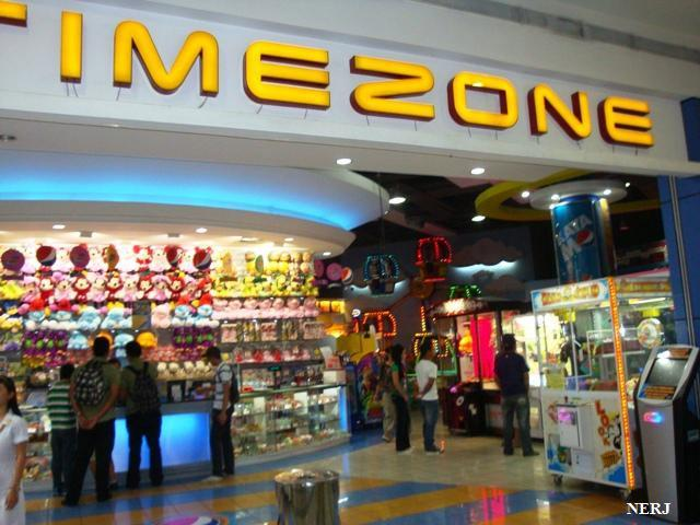 TriNoma (Triangle North of Manila) is a large shopping mall in Quezon City, Philippines, owned by property development firm Ayala erlinelomantkgs831.ga in , the mall is located on the side of Epifanio de los Santos Avenue, east of the North Avenue MRT Station in Quezon City, giving significant market competition to the nearby SM City North EDSA as one of the largest malls in Metro Manila.