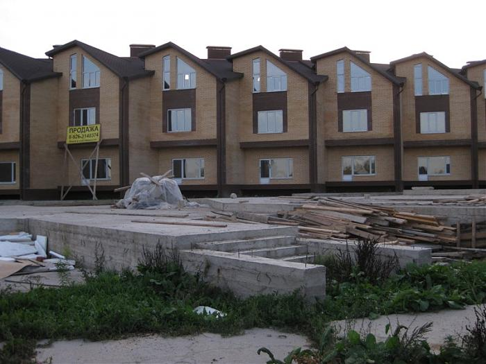 Townhouses in Florence under construction