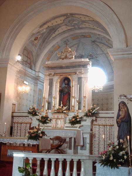 Interno della chiesa di san pietro for Interno san pietro
