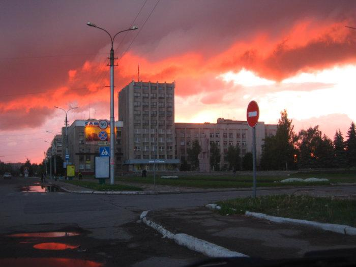 Украинские силовики обстреляли школу в Горловке