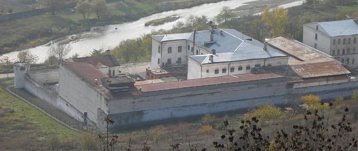 Тюрьма «Белый лебедь»
