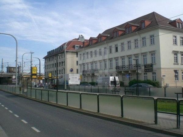 """Straßenbahnhaltestelle""""Anton Leipziger Straße"""" Dresden"""