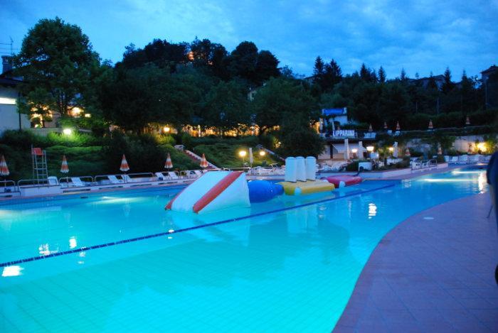 Cuenca club parco piscina monteombraro for Piantina della piscina