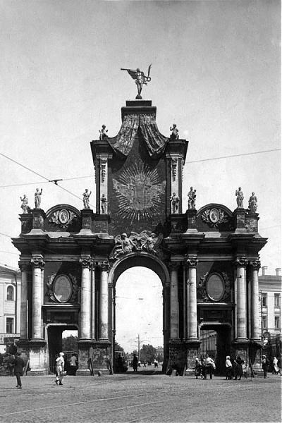 давайте кое-что деревянная арка в честь победы в северной войне нужно больше тепла