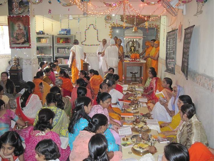 Digambar Jain Temple, Kalyan - Kalyan