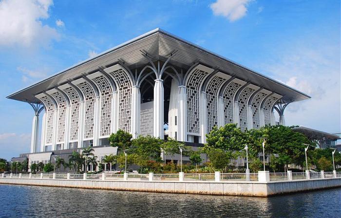 Tuanku mizan zainal abidin mosque putrajaya for Architecture design company in malaysia