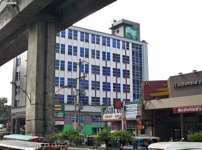 how to go to quezon city library