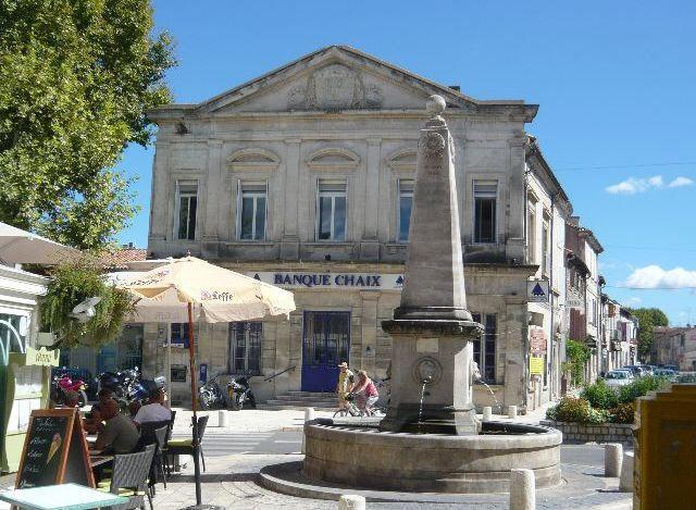 Saint r my de provence centre historique saint r my de for Entretien jardin st remy de provence