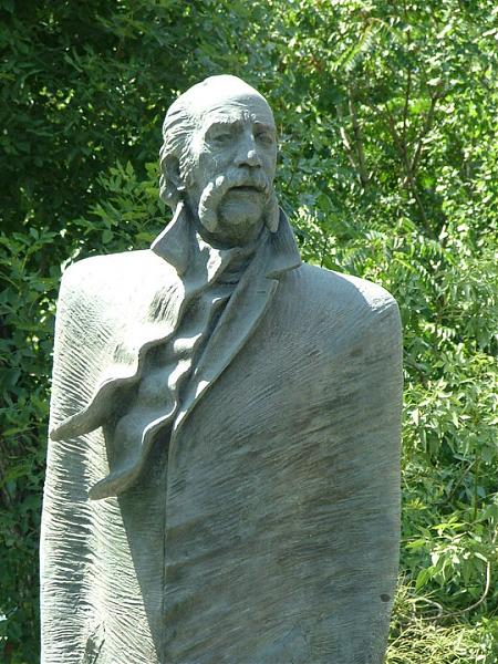 William Saroyan statue