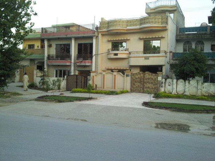 Bhoot bangla arif 39 s home islamabad for Bangla house photo