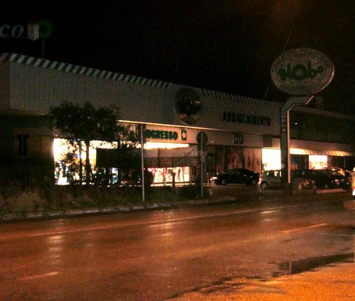 Centro comercial el delf n pescara tienda for Centro comercial el mueble catalogo