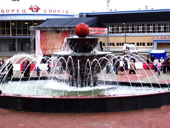Свердловская область, г. Верхняя Пышма.  В конструкции фонтанов использовалось оборудование SAFE-RAIN, PEM и FONTANA.