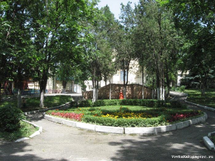 Детский дом - Пятигорск: http://wikimapia.org/16946586/ru/%D0%94%D0%B5%D1%82%D1%81%D0%BA%D0%B8%D0%B9-%D0%B4%D0%BE%D0%BC