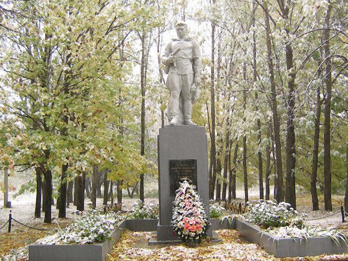 Памятник Неизвестному Солдату: http://wikimapia.org/19533174/ru/Памятник-Неизвестному-Солдату