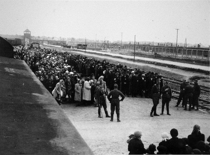 The Polish People Weren't Tacit Collaborators With Nazi Extermination of Jews
