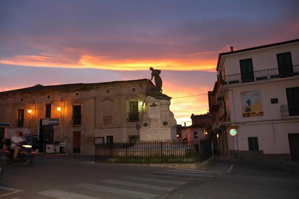 Monumento ai caduti in guerra terranova da sibari for Comune di terranova da sibari