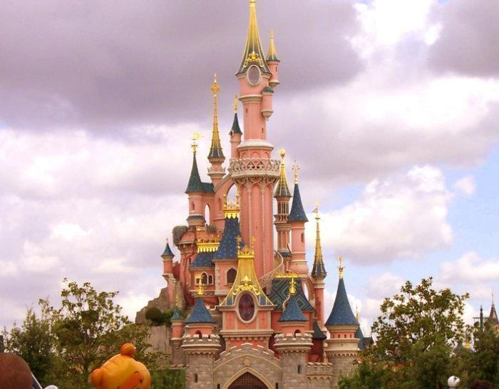 Sleeping beauty castle le ch teau de la belle au bois dormant - Chateau la belle au bois dormant ...