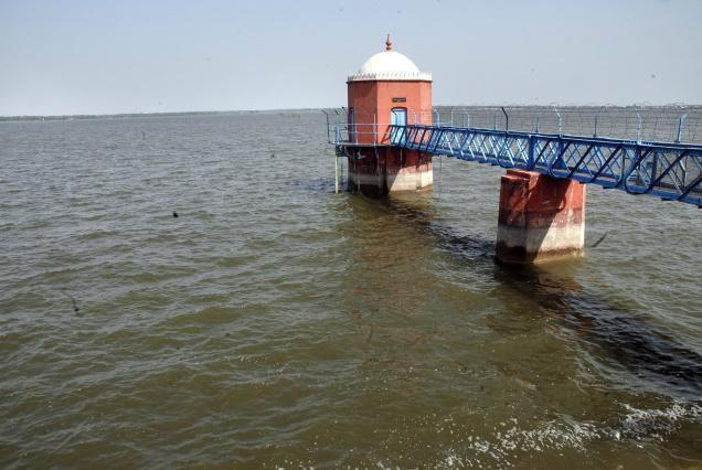 Red Hills Lake செங்குன்றம் ஏரி Chennai