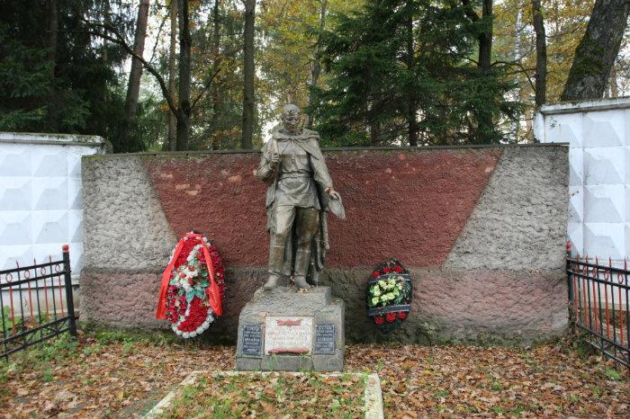 Братское кладбище советских воинов