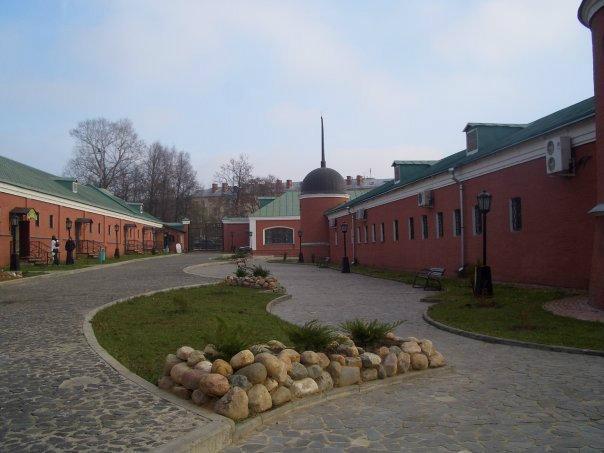 большие дворы в псковском пасаде: