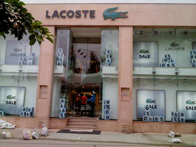 India's leading online marketplace brings the imported products of Lacoste online for you. Discounted rates and extensive collection makes it the best ever as well as one-stop destination for online shopping in India.