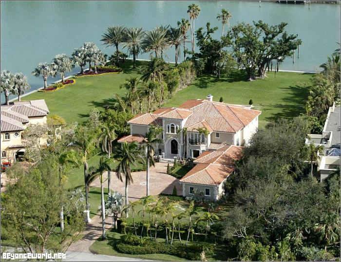 beyonce   jay z s house indian creek island  florida Barack Obama House Beyonce House