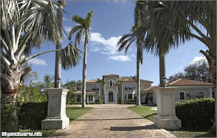 Beyonce jay z 39 s house indian creek island florida for Celebrity homes in florida