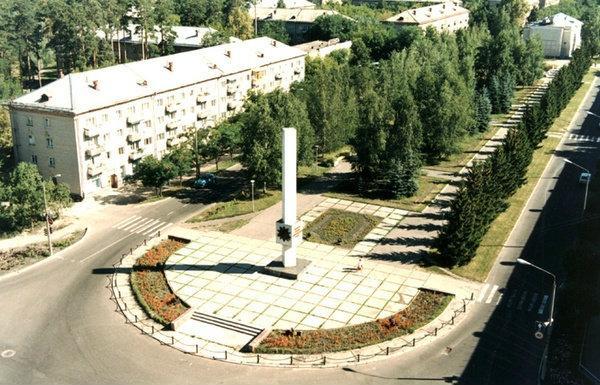 http://photos.wikimapia.org/p/00/01/85/56/66_big.jpg