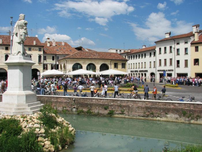 castelfranco veneto latina women dating site 100% free italian personals meet single women from italy.