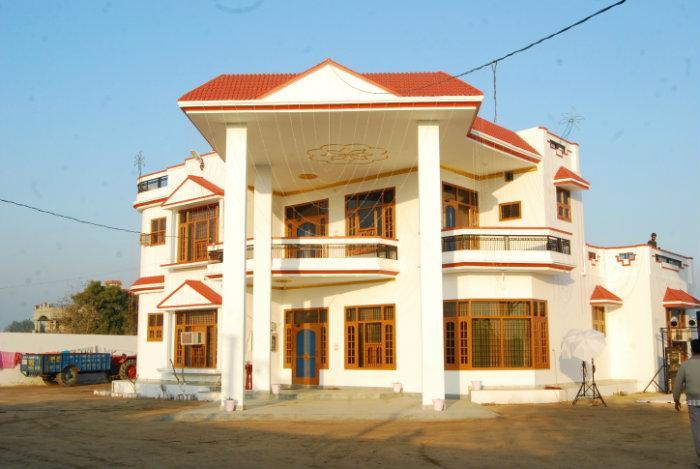 Dhanoa 39 s house guri sangar muktsar for Big house images in india