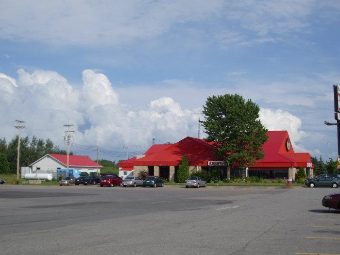 Restaurant et motel la porte de la mauricie for Porte et fenetre mauricie
