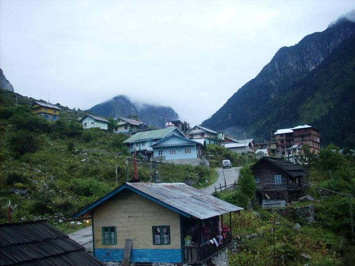 Lachung India  city photos gallery : village , hill station