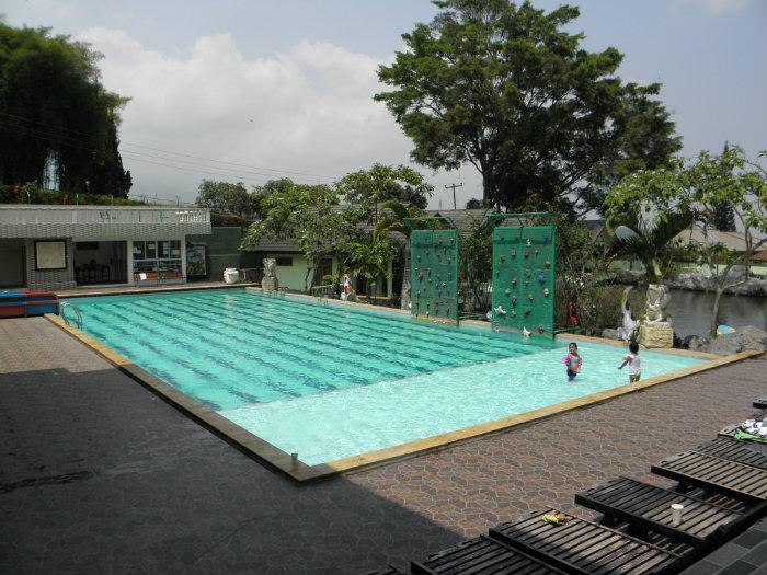 Harga Villa Alfa Resort Cisarua