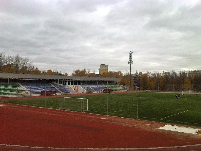 На стадионе локомотив в г дмитров состоялся турнир по футболу кубок малых городов россии наша победа