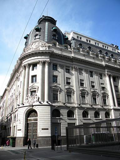 Bbva banco franc s casa central buenos aires for Casas de embargo bbva