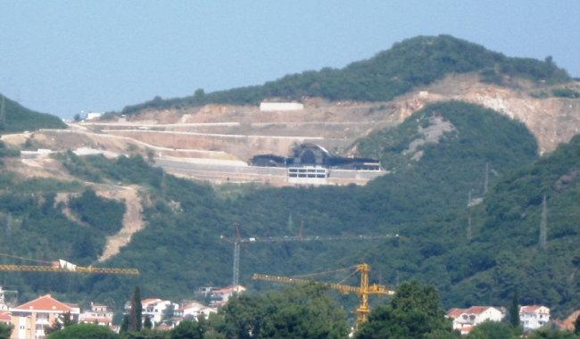 top hill nightclub